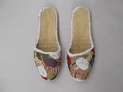 http://twinklestore.sellmojo.com/images/inspiration/Painted-Slippers-500x3757278.jpg